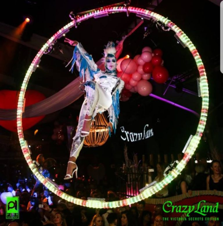 aireal act for crazyland - booking by onstageinternational